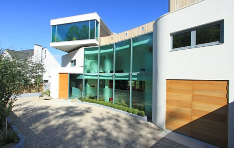 Mccarey simmonds consulting civil structural engineers for Modern house uk for sale